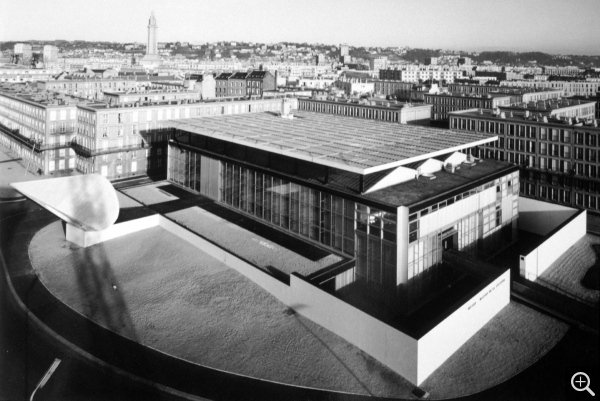 Bird's-eye view of the Musée-maison de la culture, postcard. © Le Havre, archives municipales