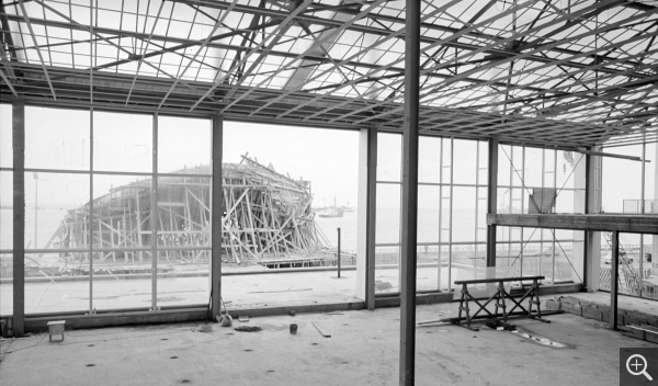 Construction site, Musée-maison de la culture, Le Havre. Interior view over the west facade, formwork of The Signal, 1960. © Centre Pompidou, bibliothèque Kandinsky, fonds Cardot-Joly / Pierre Joly - Véra Cardot