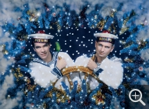 PIERRE ET GILLES - Pierre Commoy (1950) et Gilles Blanchard (1953), The Two Sailors – Self-portrait, 1993, painted photograph - unique piece, 69 x 87 cm. . © Pierre et Gilles