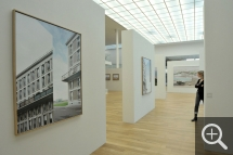 "Partial view of the ""Le Havre. Images sur commande"" exhibition Xavier Zimmermann, CC01 (left), 2009, photograph. © MuMa Le Havre / Christian Le Guen"