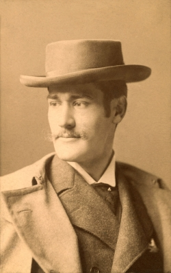 Loescher & Petsch, Lyonel Feininger with hat, Berlin, ca. 1894, photography. The Lyonel Feininger Project LLC, New York – Berlin